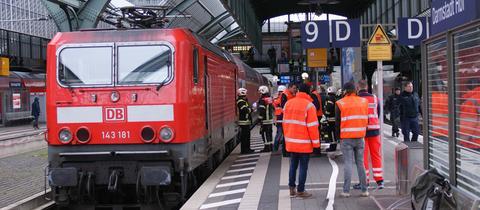Wegen Löscharbeiten wurde der Darmstädter Bahnhof kurzzeitig gesperrt.