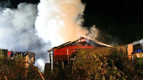 Gartenhütte Flammen Rauch