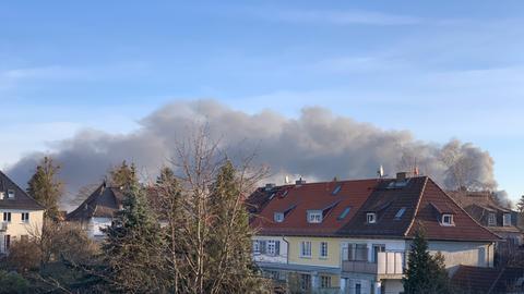 Die Rauchsäule war kilometerweit zu sehen.
