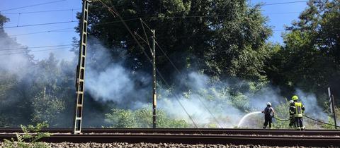Feuer am Bahndamm