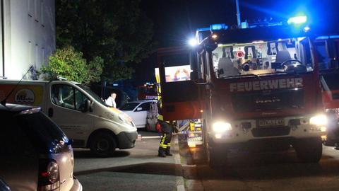 Feuerwehr-Einsatz bei Wohnhausbrand in Liederbach (Main-Taunus)