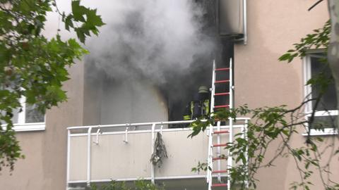 Feuerwehreinsatz bei einem Wohnungsbrand in Raunheim (Groß-Gerau)