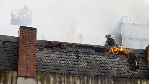 Brand eines Mehrfamilienhauses in Wiesbaden