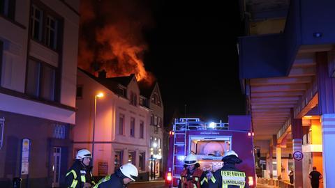 Gut 120 Feuerwehrleute und Rettungskräfte waren im Einsatz