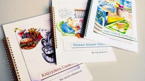 drei mit Hilfe von Gefangenen in der JVA Hünfeld erschienenen Bücher