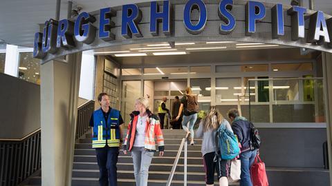 Patienten kehren ins Bürgerhospital Frankfurt zurück