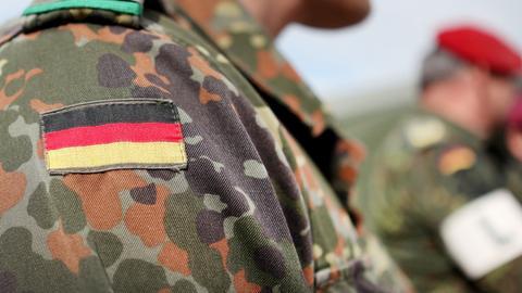 Festnahme - Waffen und Munition bei Bundeswehrsoldat gefunden
