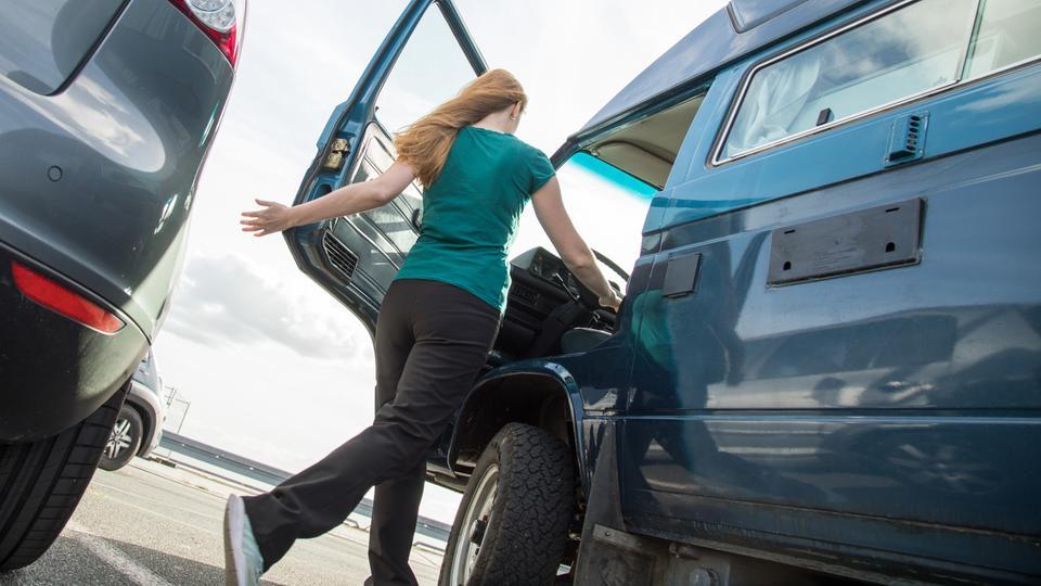 Autokäuferin darf bei Probefahrt gestohlenen Wagen behalten