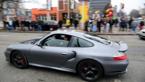 Auto-Tuning-Fans am Car-Freitag