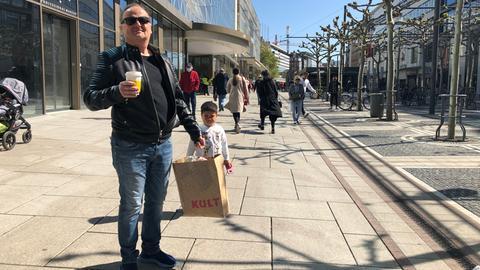 Carsten Kimpel beim Einkaufen auf der Zeil