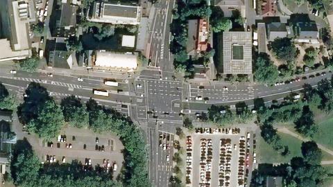 Satellitenaufnahme der Kreuzung Landgraf-Georg-Straße/Pützerstraße/Teichhausstraße in Darmstadt.