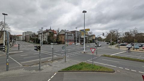 Die Kreuzung Landgraf-Georg-Straße/Pützerstraße/Teichhausstraße in Darmstadt