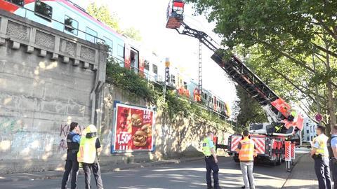Drehleitereinsatz in Frankfurt Höchst