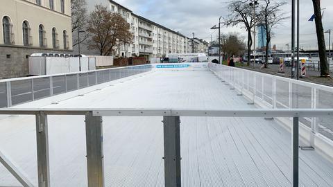 Eisbahn am Frankfurter Mainufer