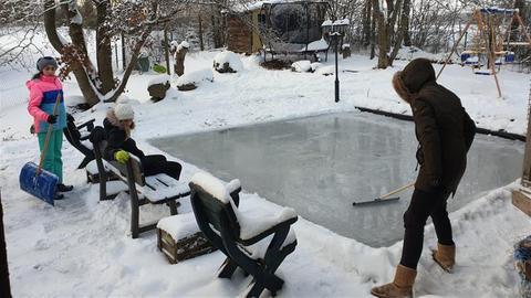 Eisbahn im Garten
