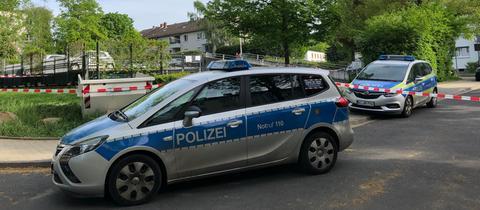 Die Polizei hat den Ort der Explosion abgesperrt.