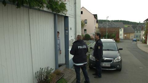 Polizei-Fahndung nach Sextäter in Hünstetten-Limbach: Beamte klingeln bei allen Bewohnern des Ortsteils