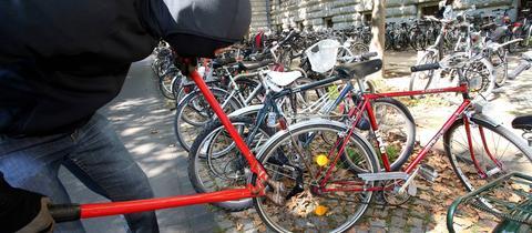 Fahrraddiebstähle nehmen zu.