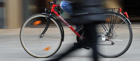 Fahrradfahrer Frankfurt Symbolbild