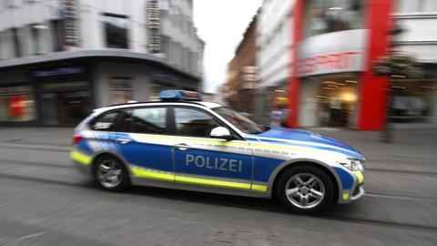 Ein Streifenwagen der bayrischen Polizei.