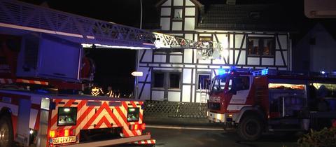 Feuerwehrleute beim Einsatz in Rotenburg-Lispenhausen