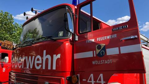 Altes Nieder-Wöllstädter Feuerwehrauto Emma
