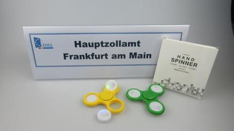 Sichergestellte Fidget Spinner beim Zoll Frankfurt