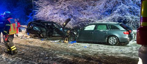 Nach der Flucht vor der Polizei prallte ein Autofahrer in Bad Homburg mit einem anderen Wagen zusammen.
