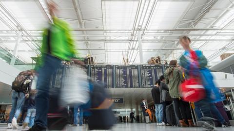 Passagiere in der Abflughalle