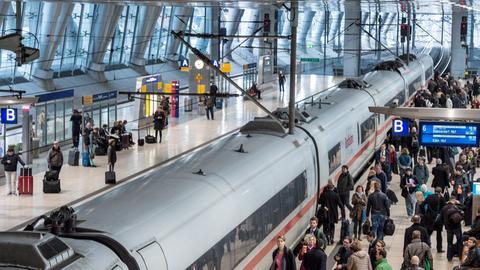 Flughafen-Fernbahnhof in Frankfurt