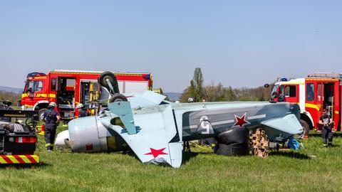 Das Klein-Flugzeug überschlug sich beim Landen.