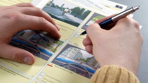 Fragebogen bei Führerschein-Prüfung
