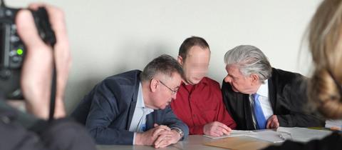 Angeklagter im Prozess um die tödliche Geisterfahrt auf der A67 im Amtsgericht Groß-Gerau