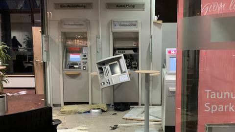 Zerstörter Geldautomat in Friedrichsdorf