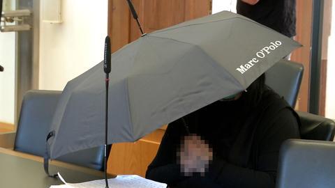Die Angeklagte vor dem Gießener Landgericht