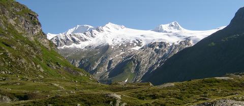 Großvenediger und andere Gipfel der Hohen Tauern in Salzburg und Tirol