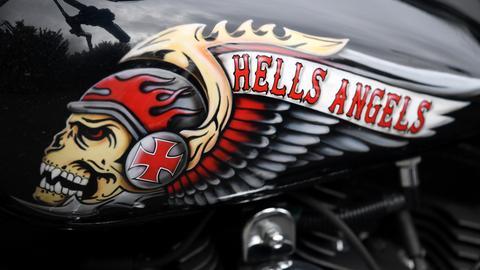 Hells-Angels-Motiv auf einem Motorradtank