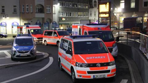 Polizei und Rettungskräfte am Herborner Bahnhof