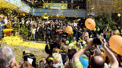 Goldregen bei der Eröffnung des Hessentags in Korbach.