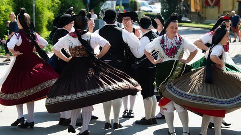 Die Volkstanzgruppe Kladenbach in Aktion