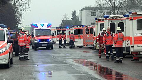 13 Rettungswagen und 5 Notärzte waren im Einsatz.