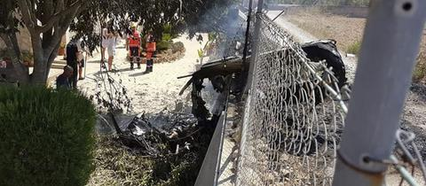 Trümmerteil eines abgestürzten Hubschraubers