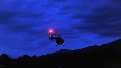 Polizeihubschrauber im Nachteinsatz