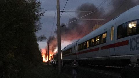 ICE in Flammen auf Schnellstrecke zwischen Köln und Frankfurt