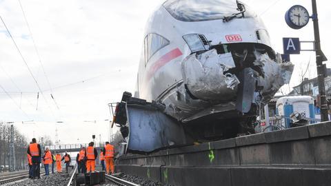 ICE-Unfall im Bahnhof Griesheim in Frankfurt