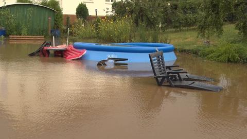 Überfluteter Garten in Kirchhain