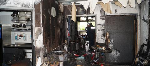 Von Brand zerstörter Flur in der Klinik in Fritzlar.