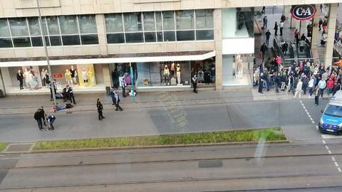 Die Polizei verhaftete mehrere Männer.