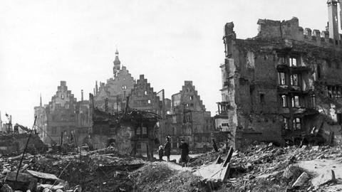 Der nach Bombenangriffen in Zweiten Weltkrieg zerstörte Römer in Frankfurt.
