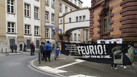 Kundgebung in Frankfurt zum Prozess gegen den Brandstifter